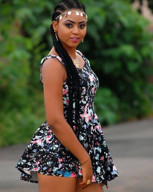 How much Regina Daniels earns. www.eremmel.com