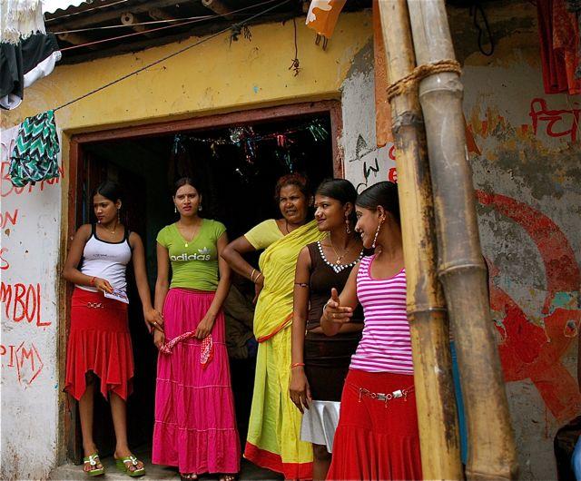 Mumbai prostitutes contact. www.eremmel.com