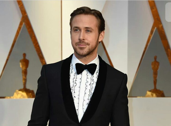 Ryan Gosling whatsapp number, real phone number, private Email and more