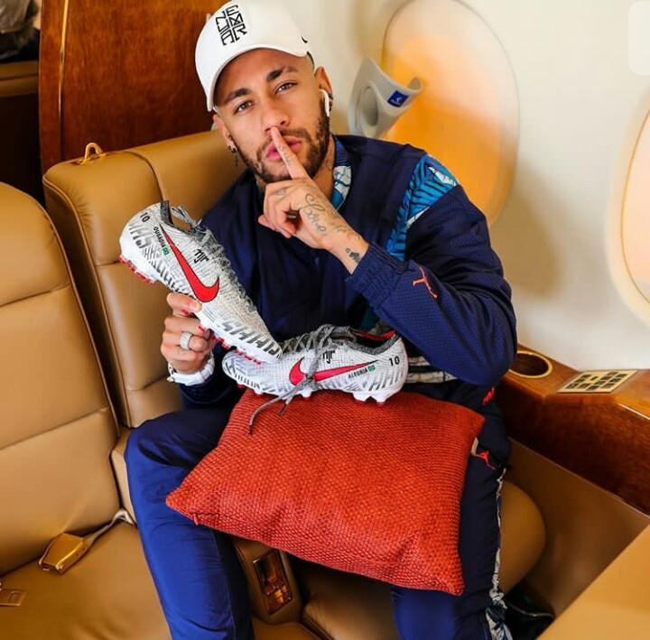 Neymar Jr whatsapp. Www.eremmel.com